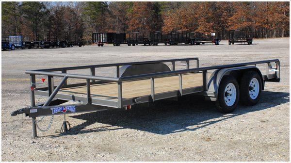Tx Bragg Pipe Top tandem axle trailer